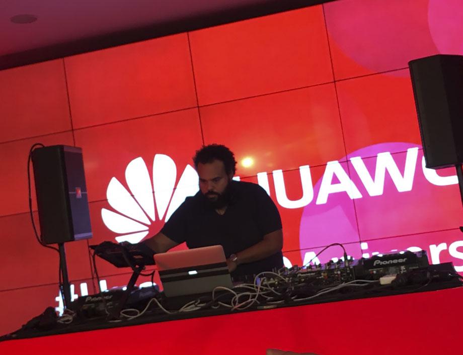 Carlos Jean Huawei