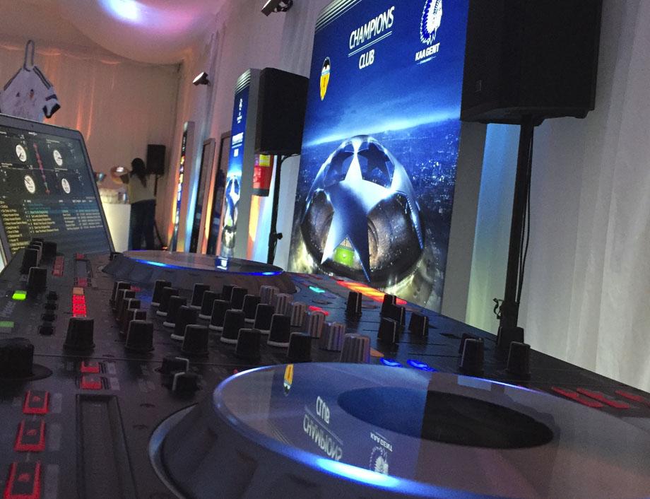 Sonido UEFA DJ Vobdil