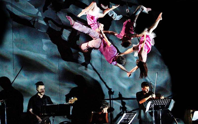 Show músicos y baile