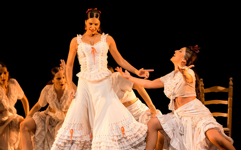 Flamenco mujeres booking